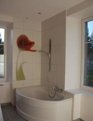 Baignoire + motif floral dans une salle de bain - carreleur De Stefano Belfort